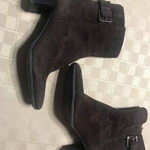 "Bandolino Shoes - BANDOLINO BROWN Suede Boot 9.5 ZIP Side 2.25"" Heel"